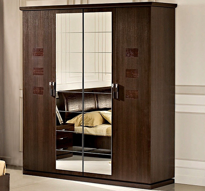4-дверный распашной шкаф (Уфамебель)